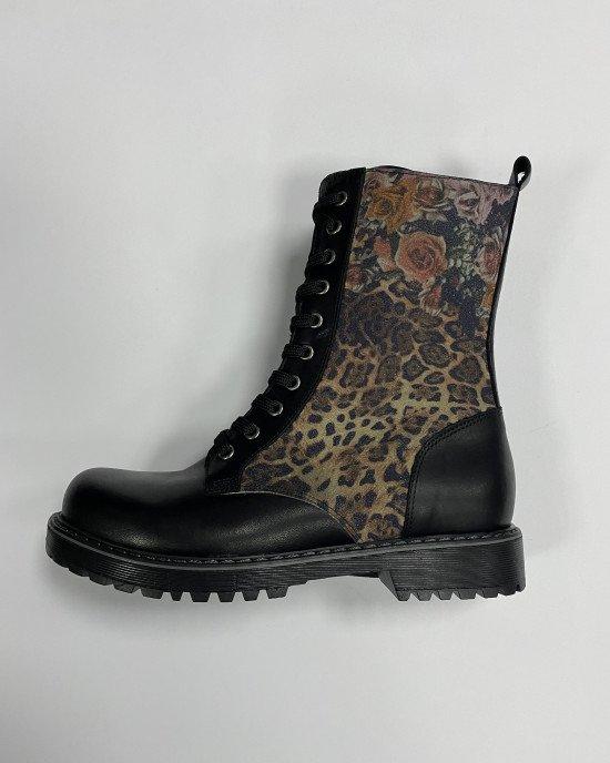 Ботинки высокие из натуральной кожи с утеплением черного цвета в принт
