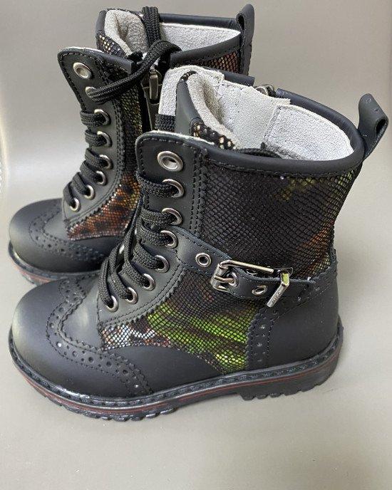 Ботинки высокие на шнурках и замочке из натуральной кожи