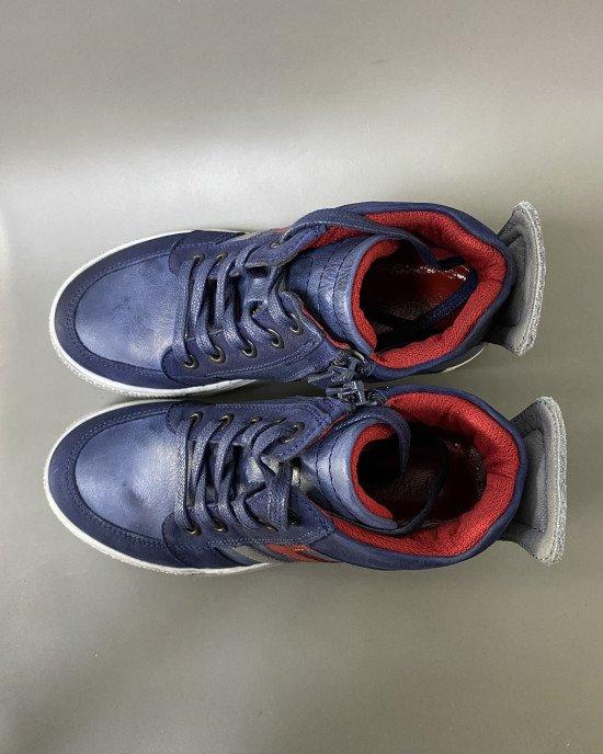 Ботинки из натуральной кожи на шнурках и замке