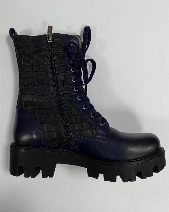 Ботинки  утепленные синего цвета на рифленой высокой платформе