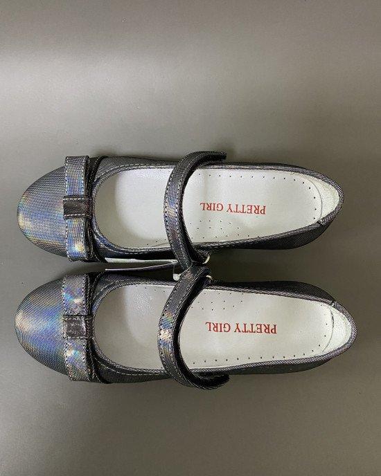 Туфли на каблучке с поперечным ремешком