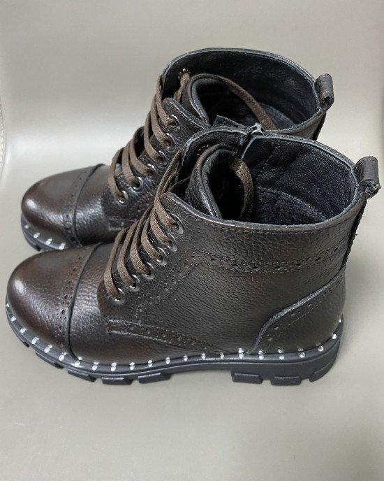 Ботинки из натуральной кожи на шнурках и замочке с мягкой текстильной подкладкой