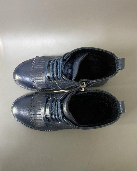 Ботинки на шнурках и замочке из натуральной кожи с элементами декора