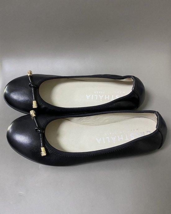 Балетки из мягкой кожи черного цвета с декором