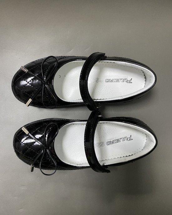 Туфли из лаковой натуральной кожи черного цвета