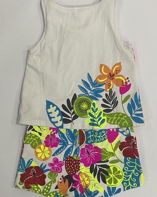 Комбинезон с шортами, белого цвета в яркий тропический принт
