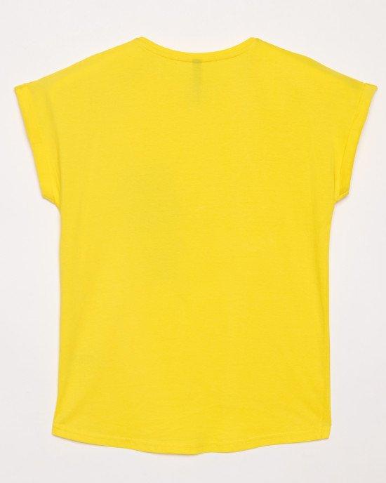 Футболка желтого цвета с черным принтом