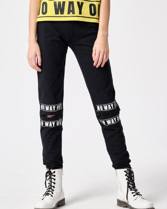 Леггинсы черного цвета с прорезами на коленях