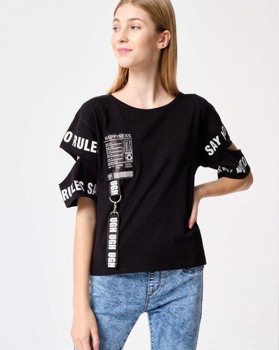 Футболка - блузон черного цвета с белыми буквами
