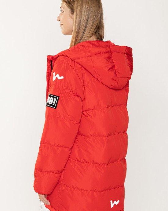 Куртка - парка утепленная красного цвета с черно-белыми нашивками