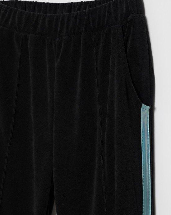 Штаны спортивные велюровые черного цвета