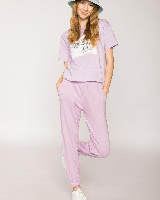 Штаны спортивные лилового цвета