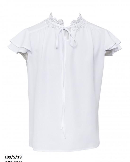Блуза с коротким рукавом и кружевным воротником