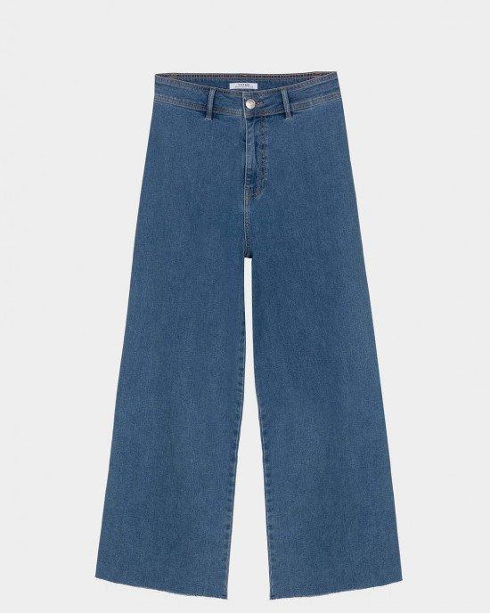 Джинсы - кюлоты синего цвета с высокой линией талии