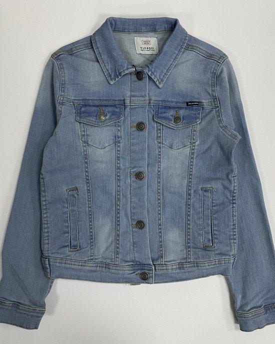 Куртка джинсовая на пуговицах