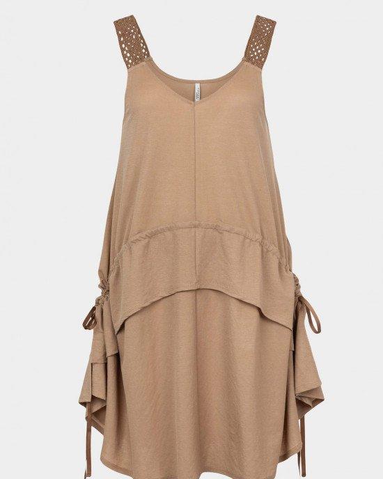 Платье - сарафан бежевого цвета