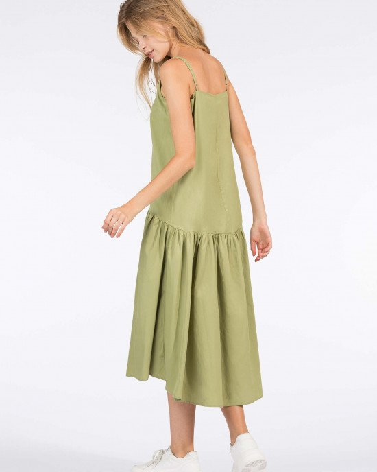 Платье - сарафан с тонкими бретельками оливкового цвета