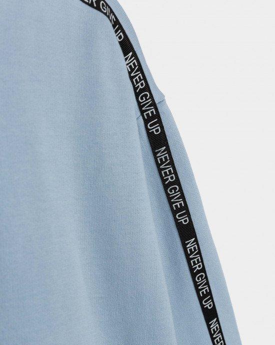 Топ с длинными рукавами голубого цвета