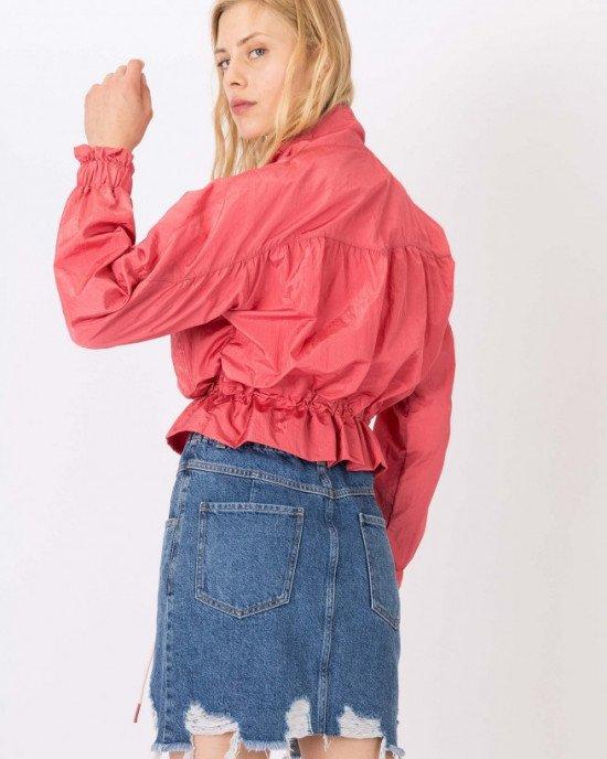 Куртка - ветровка укороченная бледно - розового цвета