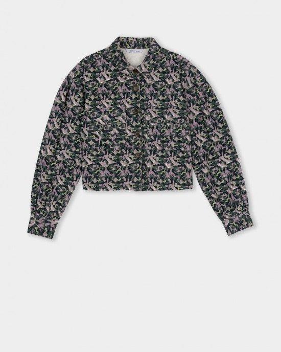 Рубашка укороченная в разноцветный принт