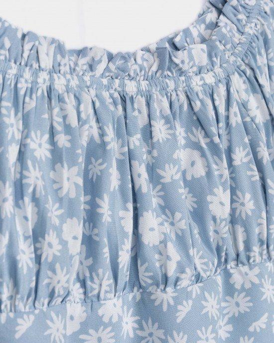Топ небесно - голубого цвета в цветочный принт