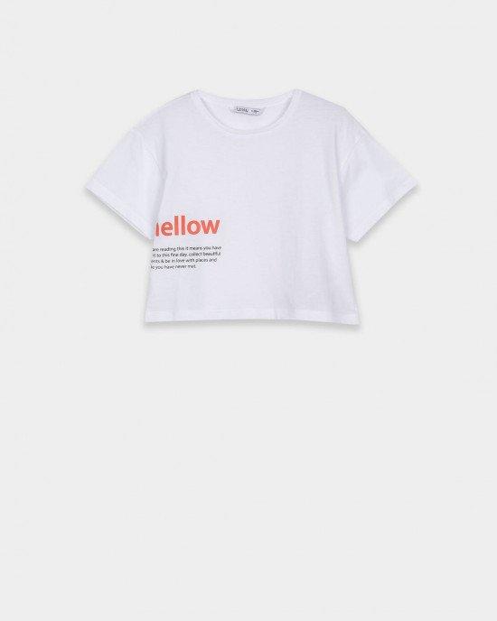 """Топ белого цвета с надписью """"mellow"""""""