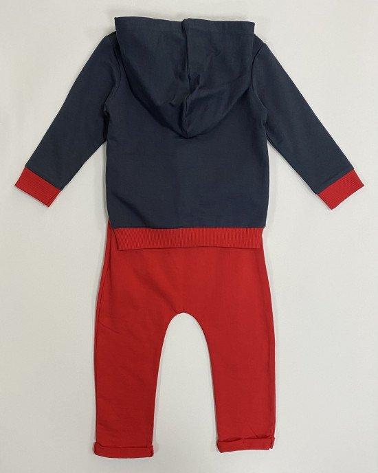 Костюм сине - красного цвета с персонажами Disney