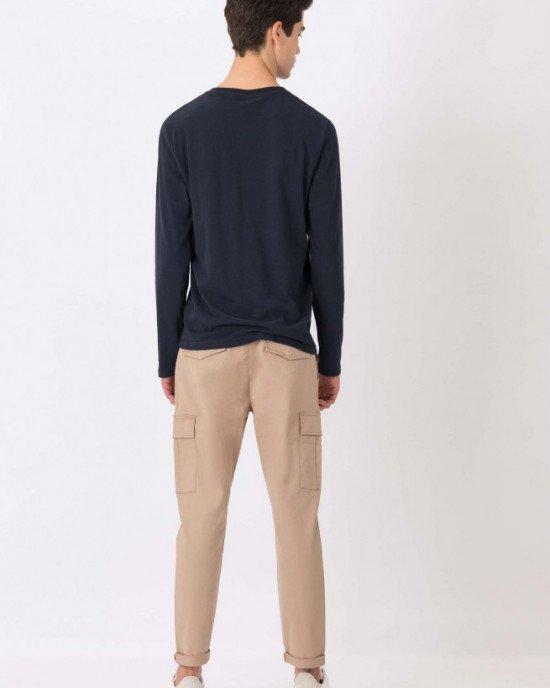 Брюки Slim Fit с накладными карманами (карго) бежевого цвета