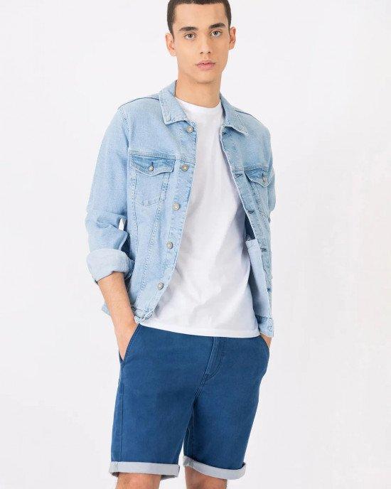 Куртка джинсовая голубого цвета с карманами