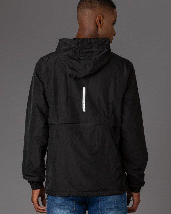 Ветровка - анорак с карманами спереди и сзади