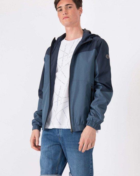 Куртка - ветровка синего цвета с капюшоном