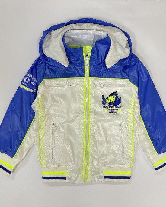 Куртка - ветровка бело - синего цвета в капюшоном