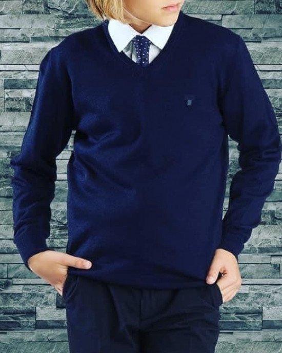 Пуловер синего цвета с вышитым логотипом