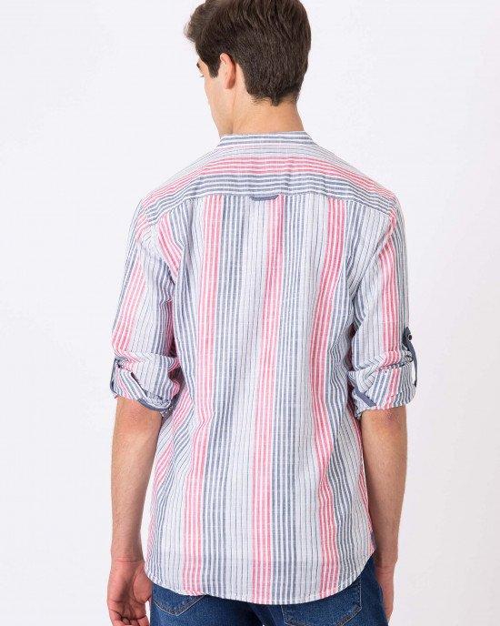 Рубашка в серо-розовую полоску с круглым воротом