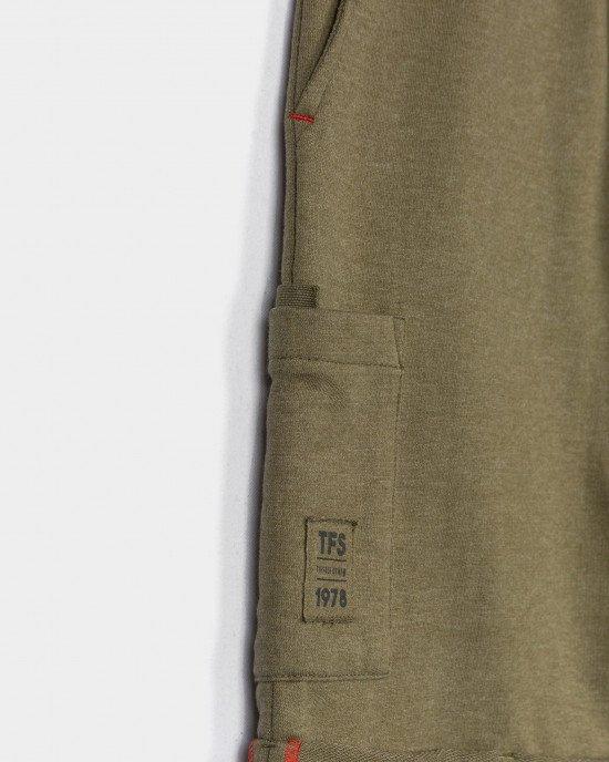 Шорты оливкового цвета с карманами