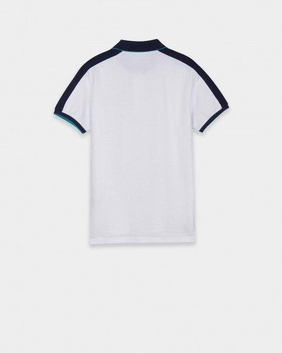 Футболка  - поло белого цвета с сине - голубым воротником