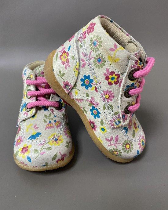 Ботинки на шнурках в цветочный принт